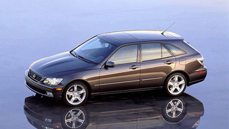Lexus  IS 300 SportCross