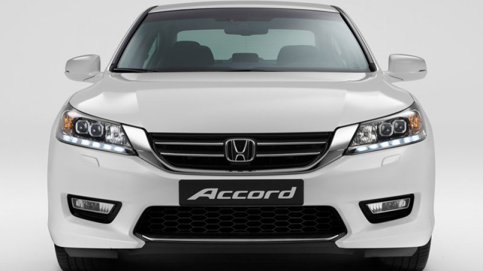 honda-accord-sedan-2013-31